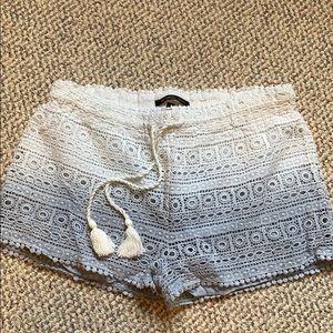 VS ombré crochet shorts size small